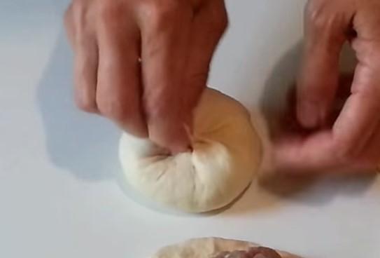 Как приготовить беляши с мясом в духовке?</p> <p> Вкусные пошаговые рецепты беляшей