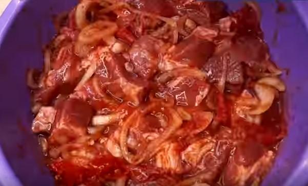 Шашлык из свинины в домашних условиях в духовке