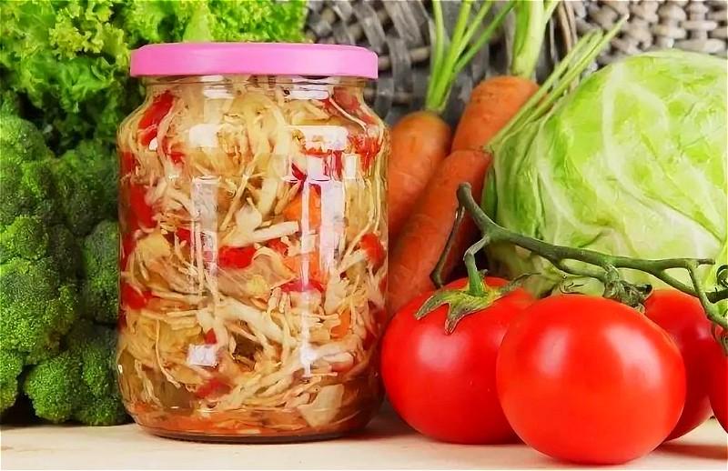 Салат из капусты на зиму - самые вкусные рецепты