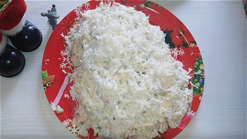 """формируем салат """"мышка"""""""