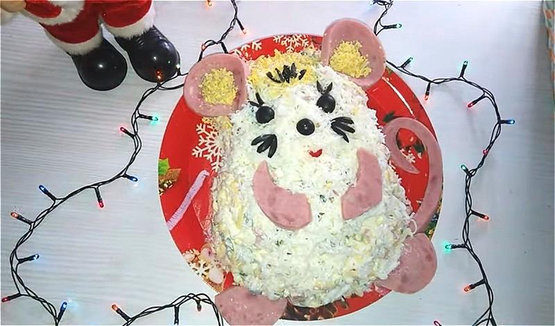 """новогодний салат """"Белая мышка (крыса)"""""""