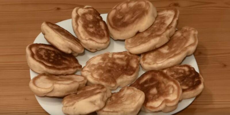 оладушки на кефире с яблоком
