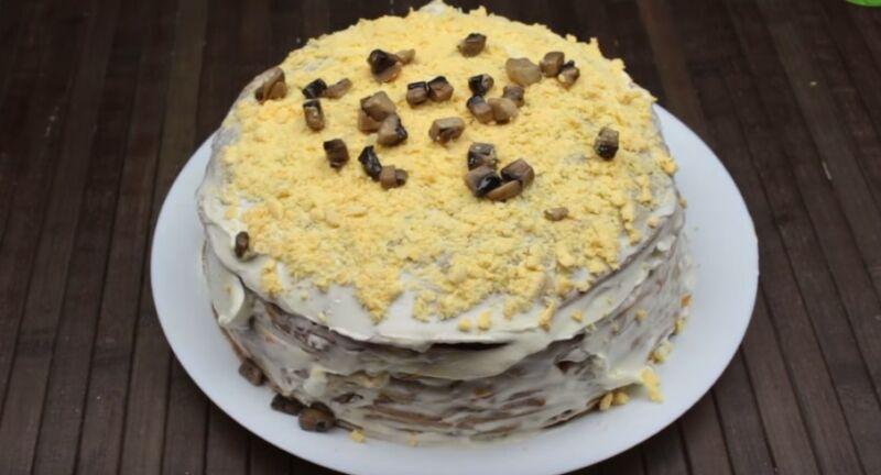 блинный торт из муки с печенью