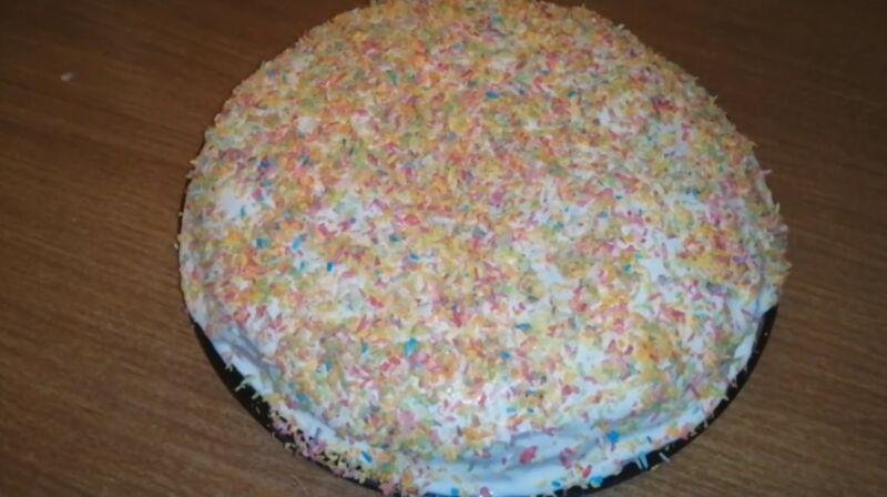 готовый блинный торт со сметанным кремом