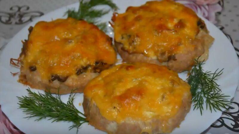 мясные гнезда с грибной начинкой и сыром