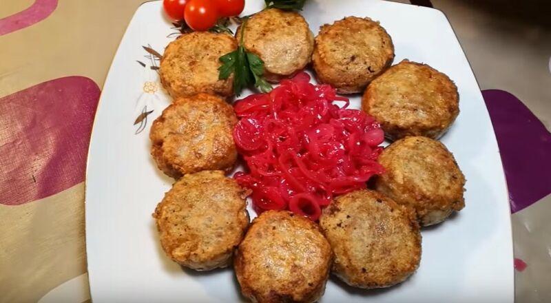 готовые мясные зразы с грибами и сыром