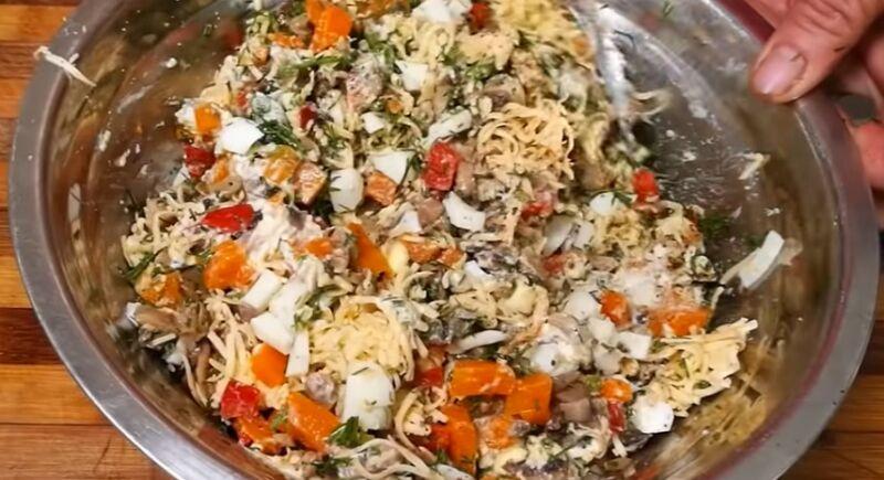 начинка для зраз из грибов, сыра, моркови, сладкого перца и яиц