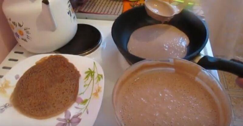выпекаем блины на молоке и какао