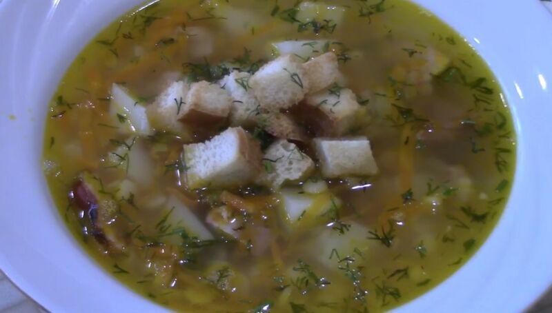 готовый гороховый суп с копченой курицей