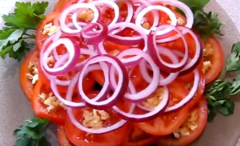 готовый маринованный красный лук