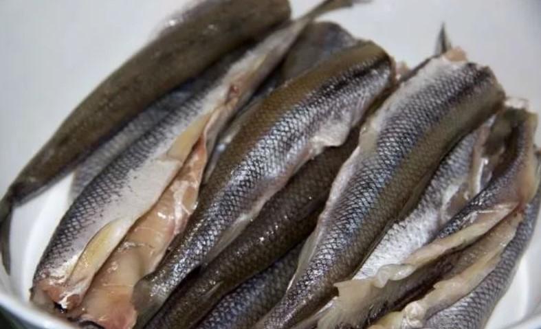 Жареная корюшка с хмели-сунели и имбирем - рецепт пошаговый с фото
