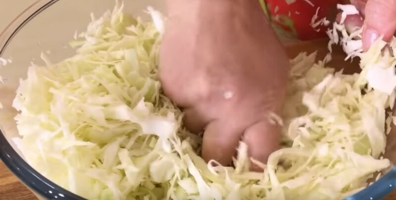 подготавливаем капусту для начинки