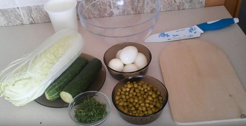 продукты для салата из пекинской капусты с яйцом