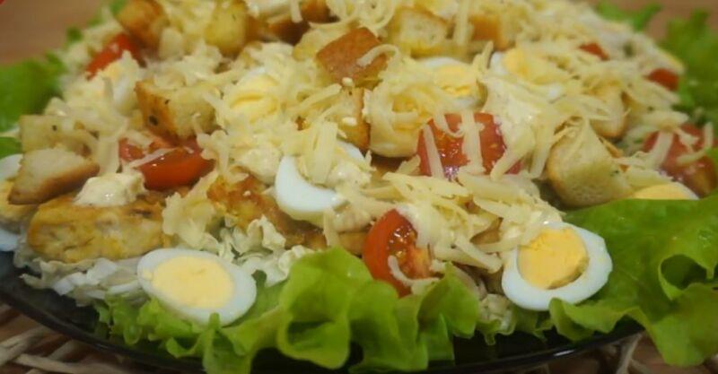 Салат Цезарь с курицей в домашних условиях – простые классические рецепты