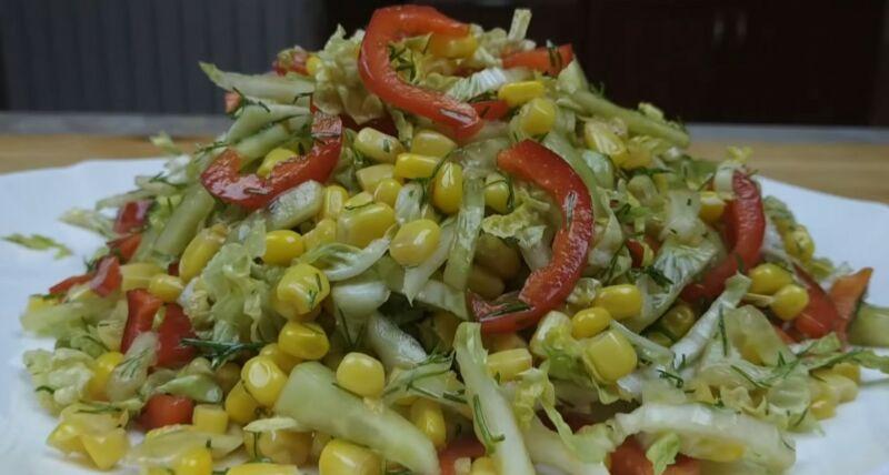 салат из пекинской капусты с кукурузой и огурцом