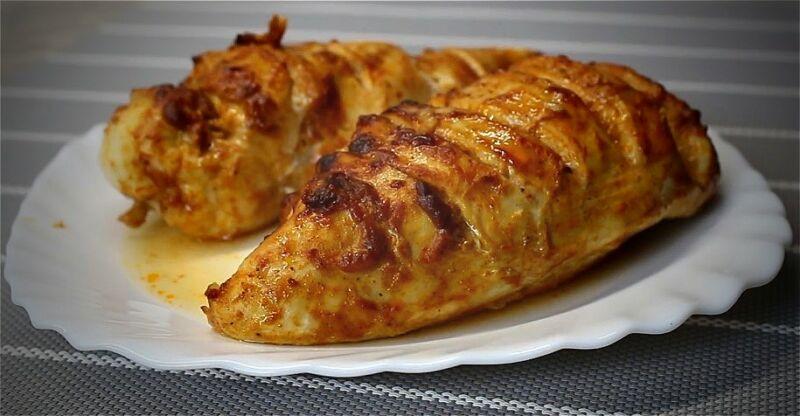 сочная и вкусная куриная грудка в духовке