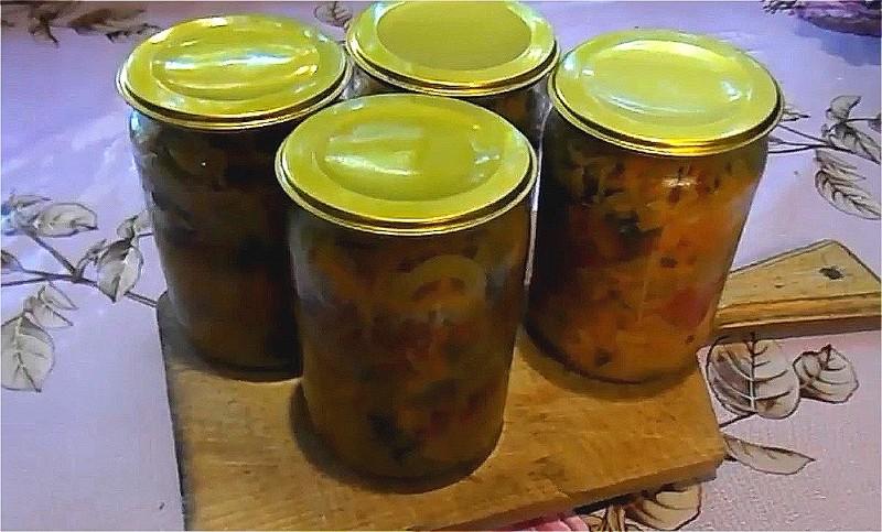 кубанский салат на зиму из огурцов, капусты и помидоров