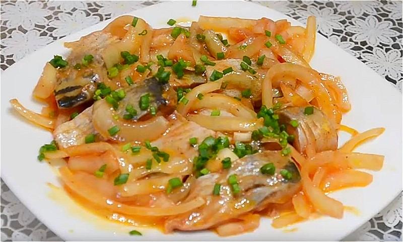 Селедка по-корейски в масле с уксусом