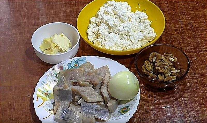 ингредиенты для форшмака с селедкой и творогом