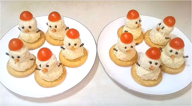 закуска Снеговики из сыра и яиц