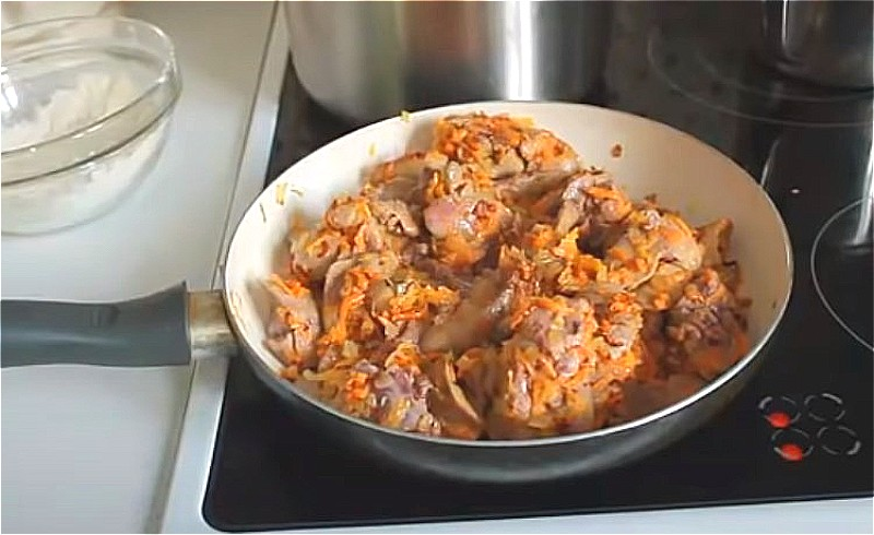 Куриная печень на сковороде: как приготовить вкусно и просто